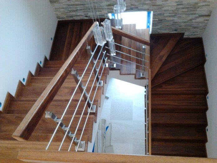 Jakie schody drewniane wybrać do domu jednorodzinnego?